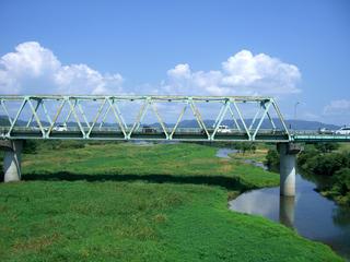 旧川辺橋より川辺橋を望む