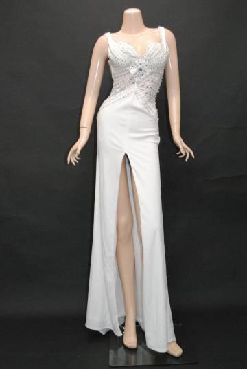 4a981acd38c28 カクテルカーヴィービーズラインセンタースリット ホワイト ロングドレス ...
