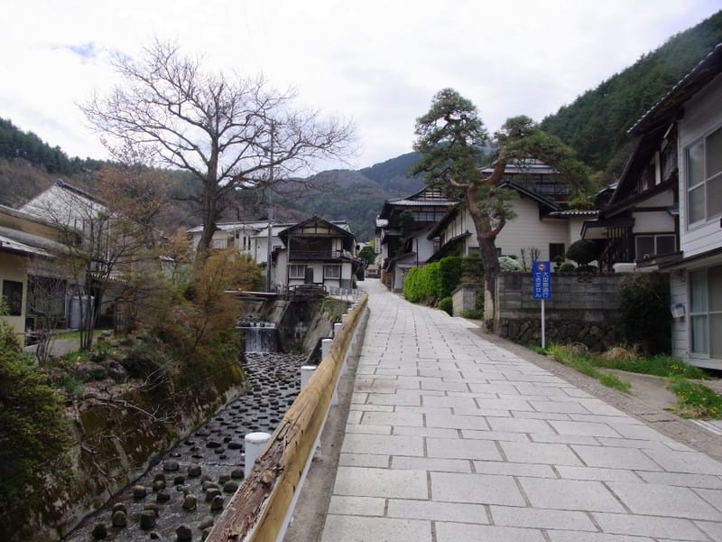 Tazawaonsenkoujiiriguchi20140428