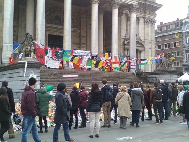 ブリュッセルの証券取引所前 - ...