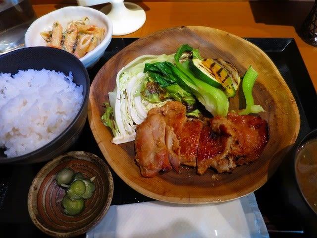 本日のサービスランチA(若鶏の今井麹味噌漬け焼き)