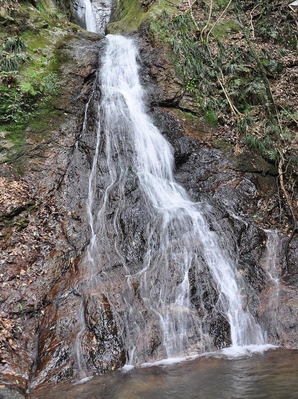 龍門の滝中段