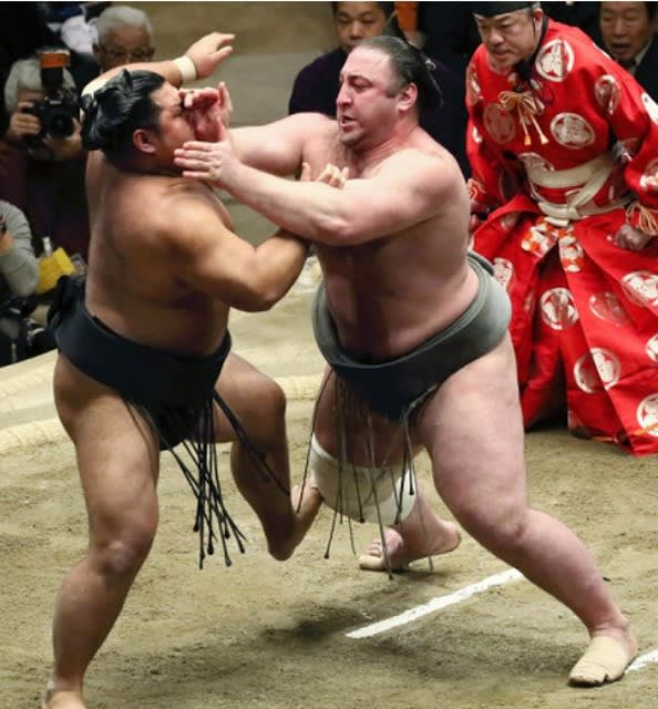 の 取り組み の 相撲 今日