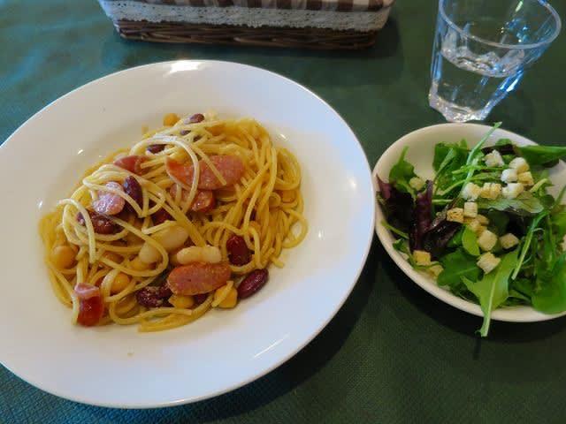 日替わりランチ(インゲン豆とソーセージのスパゲティ)