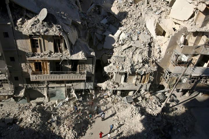 シリア内戦で民間人を殺している...