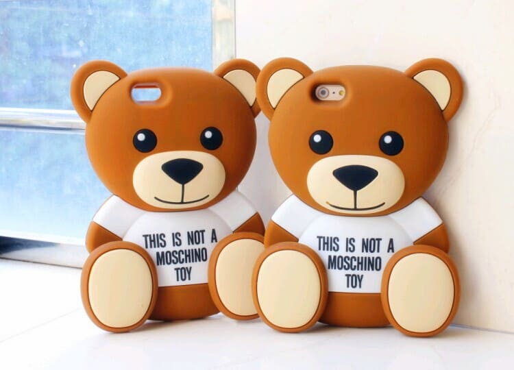 90b26d4551 海外のセレブにも大人気モスキーノMOSCHINOテディベアiphone6ケース紹介! 萌えるかわいいクマ型 シリコンケース、目を引くこと間違いなしです♪