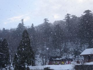 天気雨ならぬ、天気雪。