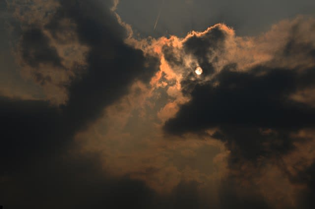 太陽と雲 - スミレの小部屋