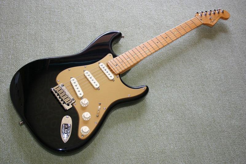Fender_usa_stratocasterneck