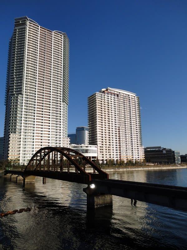 12月31日 春海鉄道橋跡とシティタワーズ豊洲