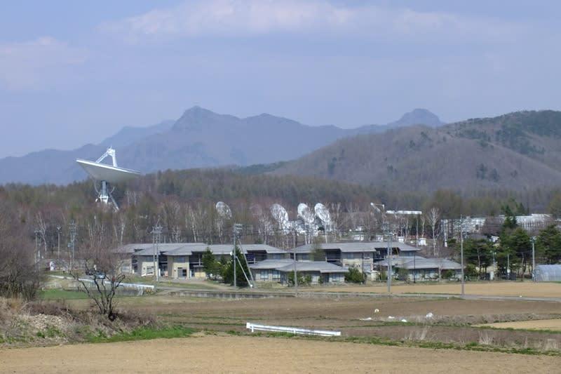 国立天文台野辺山電波宇宙電波観測所のアンテナ