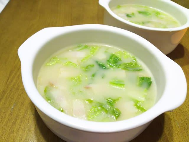 スープ 白菜 ベーコン 白菜、椎茸、スープ レシピ・作り方