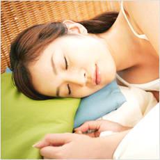 「ベッドと布団、どっちで寝てる? ←この記」の質問画像