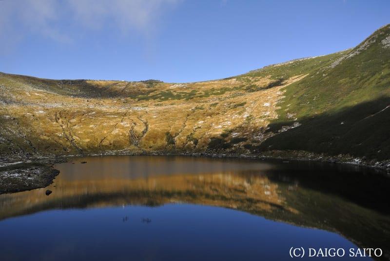 鳥海湖水鏡