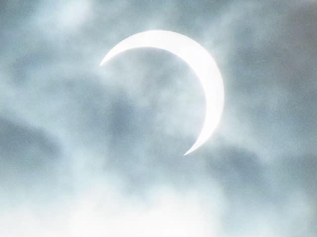 7:45 頃の日食