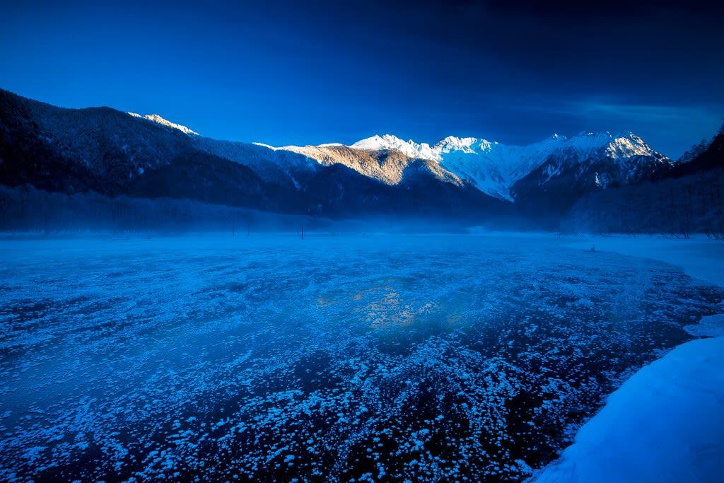 冬の大正池の写真