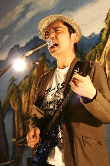 ZAZEN BOYSの向井秀徳さんと東京事変の椎名林檎 …