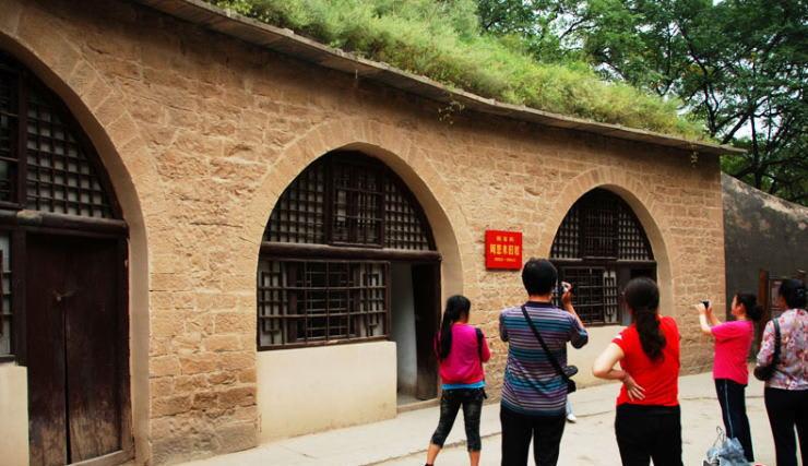中国共産党創立90周年:革命の聖...