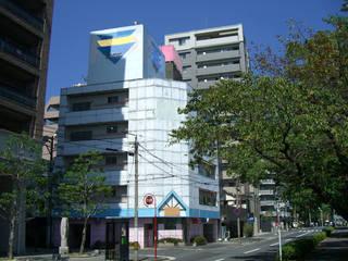 本川河畔に建つホテルP