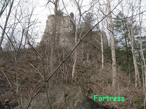 そびえる砦
