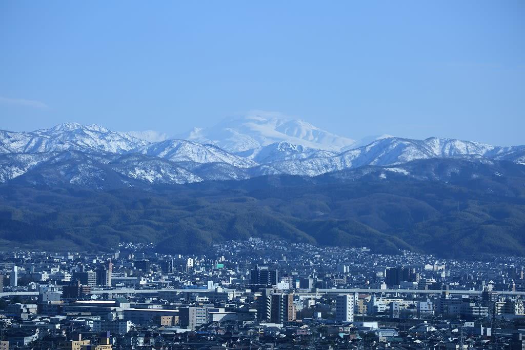 ○石川県庁 展望ロビーから 360度 白山が綺麗に見えました ...