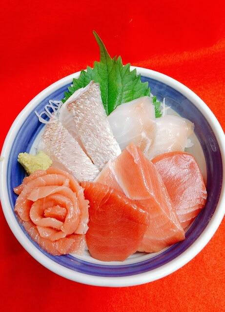 本マグロ 地魚丼