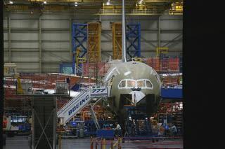 今日250人の一時解雇警告を渡すボーイング / Seattletimes - Boeing 787