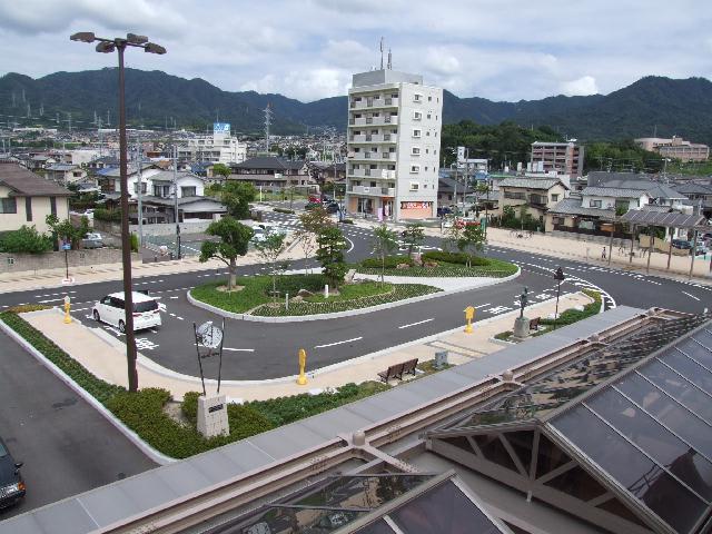 宮内串戸駅前のロータリー - 『...