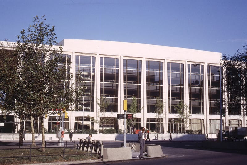 13_philharmonic_hall_lincoln_center