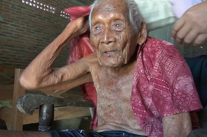 インドネシアに、146歳かもしれ...