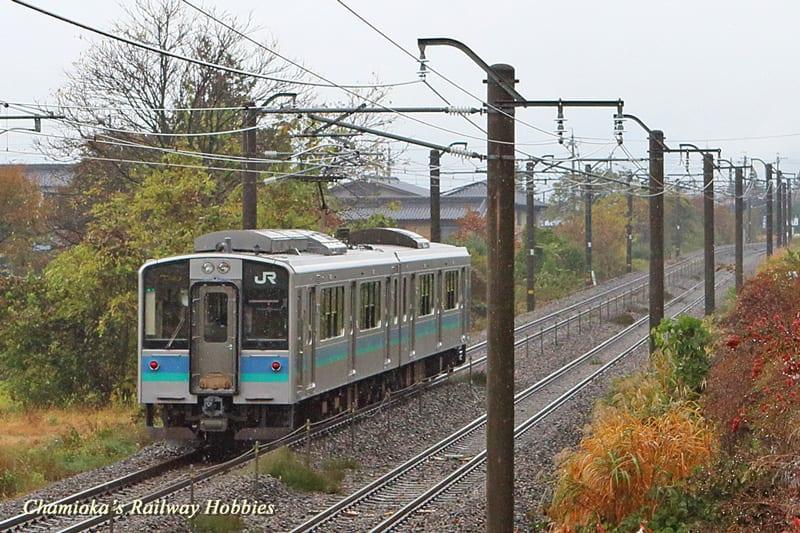 鉄道写真】篠ノ井線の複線区間を...