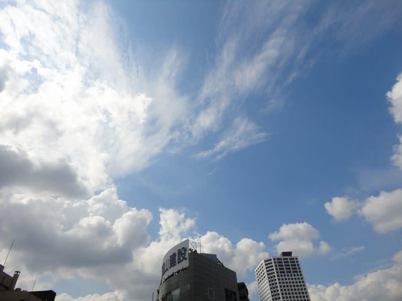 10月07日 昼の空