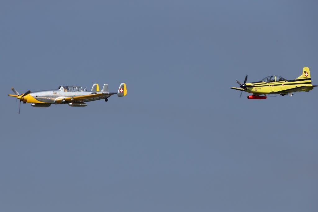 スイス空軍100周年のエアショー ...