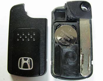 Hondaスマートキーの電池を交換する At First