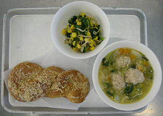 白菜 と 肉 団子 の スープ