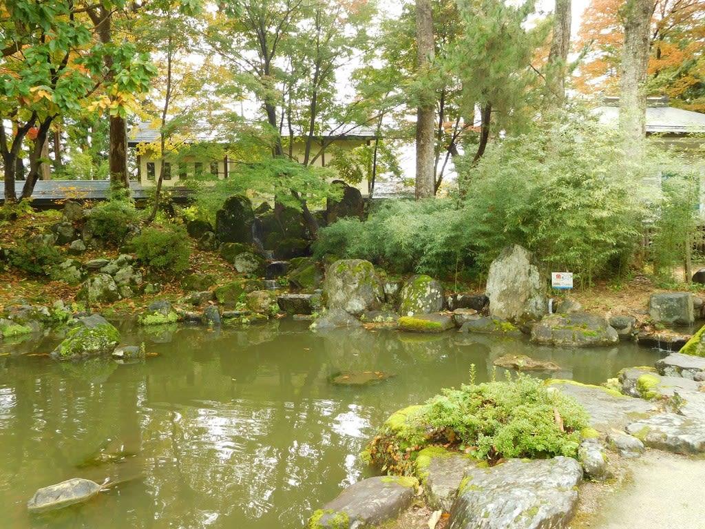明石 城 に あっ た 庭園 は 次 の うち 誰が 設計 した と 伝わる か