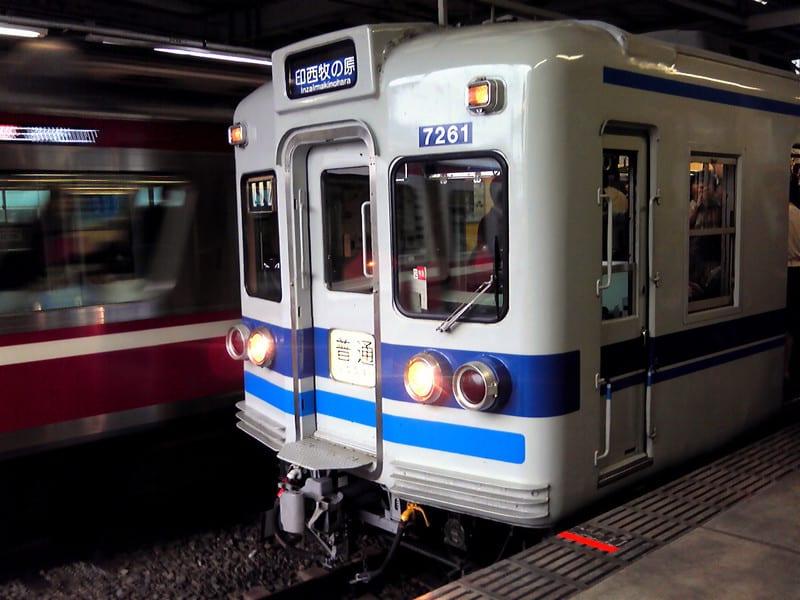 京急線内を走行する抵抗制御車両