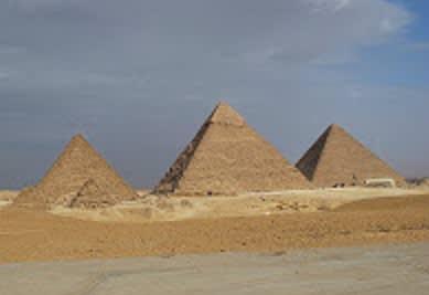 ピラミッド「からみ」説を支持!...