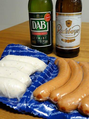 348f9399d7 白いソーセージは 「ヴァイスヴルスト」といって、バイエルンの伝統的なソーセージなんだとか・・・ 食べるの初めてなんで楽しみ~