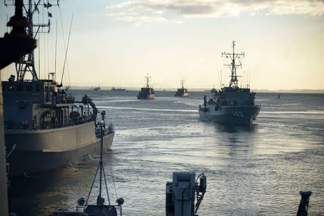 海上自衛隊,伊勢湾,機雷戦,掃海特別訓練,PAP104,掃海作業,掃海艇,海戦,戦艦,護衛艦,乗り物,船,海,