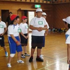 学校 義務 教育 国 田 義務教育はいつから始まった?日本・世界の歴史と現代の制度について