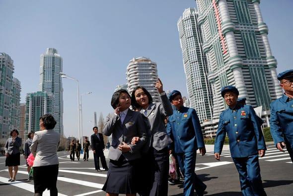 朝鮮戦争後、平壌が計画都市として再建されてから、当局レベルで追加 ...