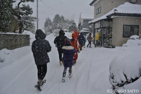 吹雪の町内巡行