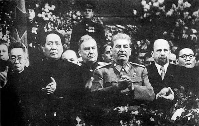ヴァルター・ウルブリヒトが東ドイツ国家元首に就任。 - 世界メディア・ニュースとモバイル・マネー