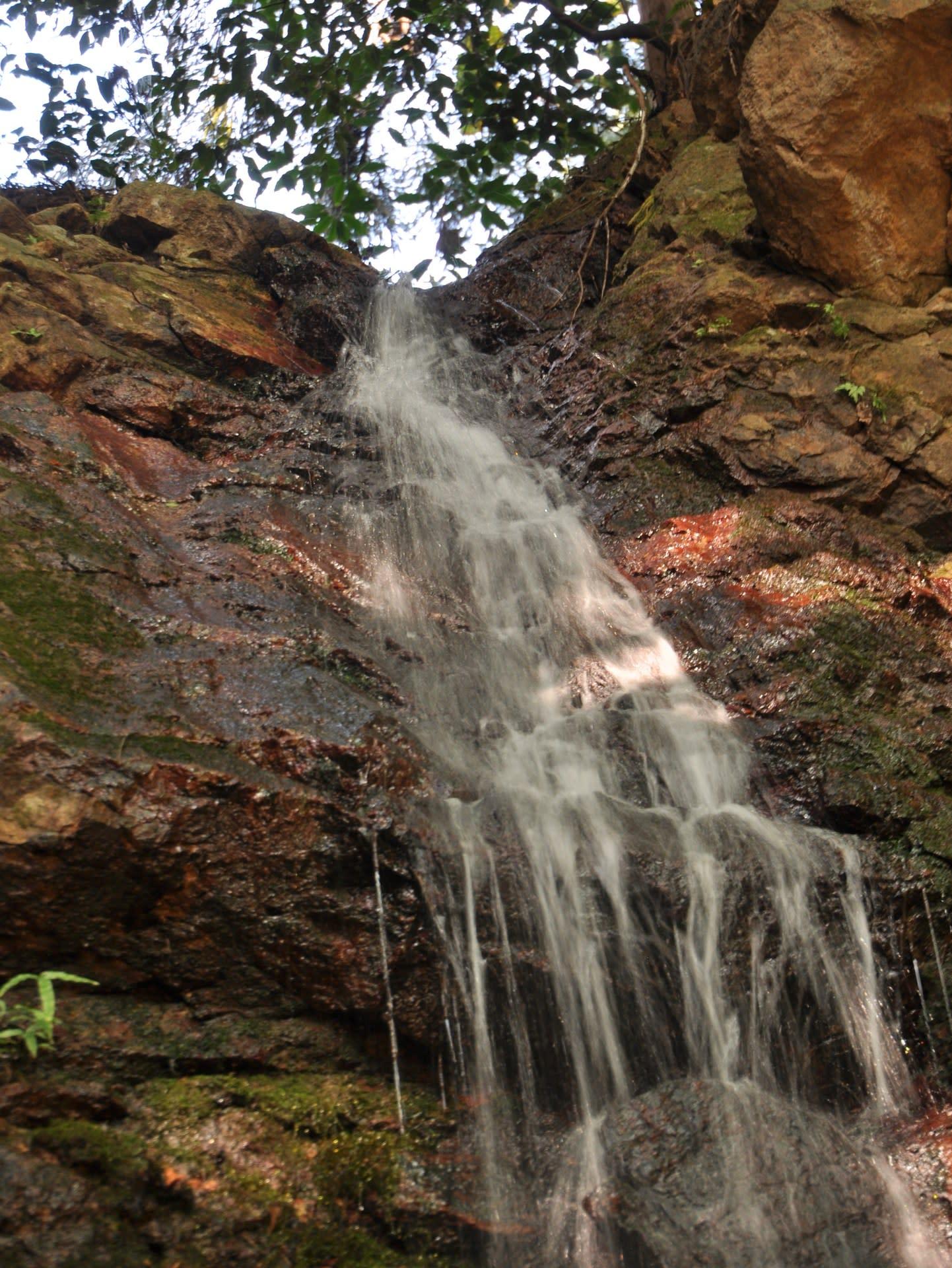 祈りの滝の落ち口