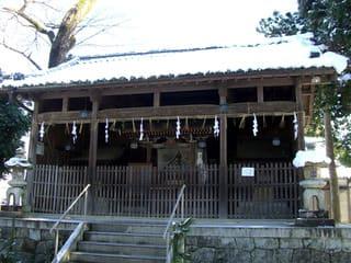 牟佐神社の三社殿