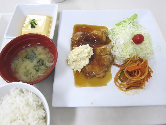 Aランチ(チキン南蛮)