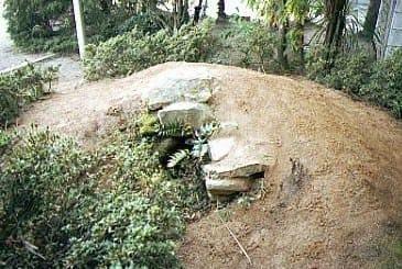 古屋敷古墳の移築小石室