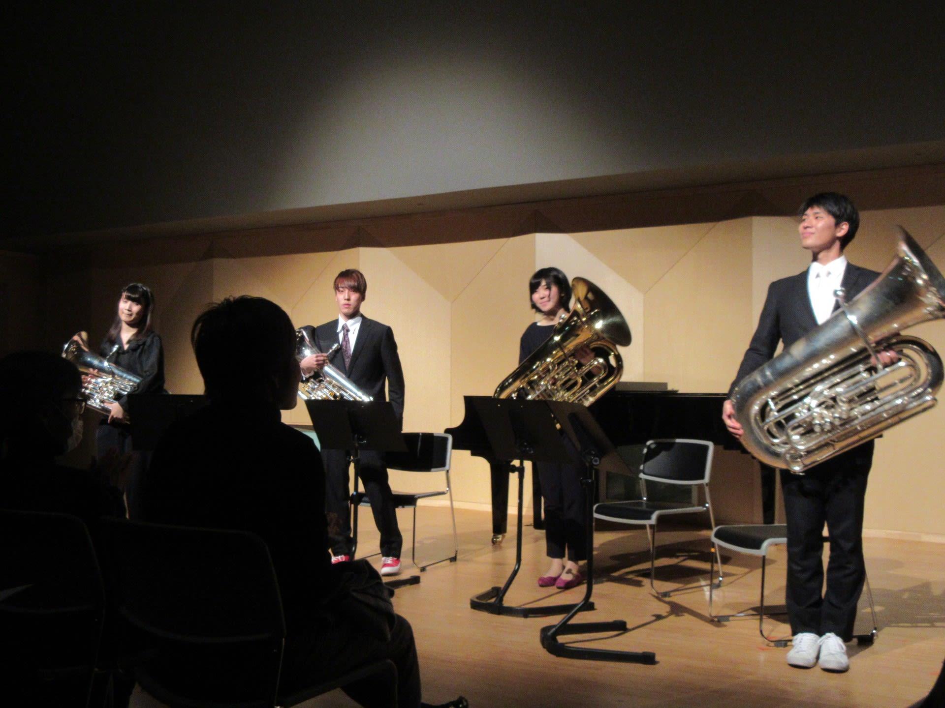 今年最初に聴いたコンサートはユーフォニアムとチューバ(テューバ)という低音の楽器によるコンサートでした。  1月14日、広島県東広島市の「東広島芸術文化ホール
