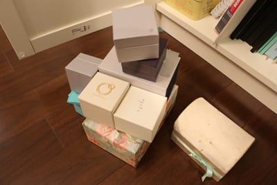 この購入時に入れてもらう箱達が綺麗で素敵で捨てられなかったのですが、この機会にすっぱり処分しました。